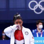 La campeona Simone Biles se retira de la final de gimnasia artística